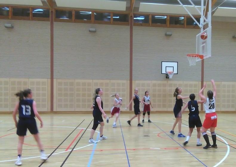 AB-tyttöjen pelit jatkuivat Norrbottenissa KFUM -kiertueella