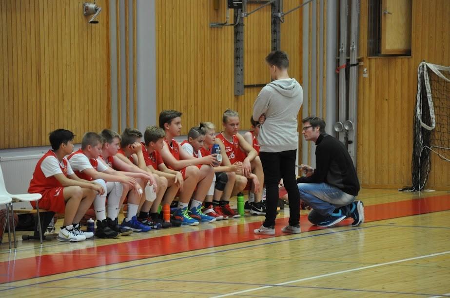 C-pojat White: SM-karsintojen turnaus Kauhajoella 3.12.